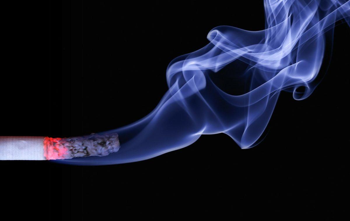 ADATTARE IL PIANO TERAPEUTICO IMPLANTARE NEI FUMATORI DA UNA RICERCA CINESE